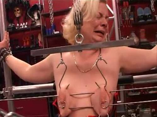 Titten Torture