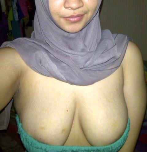 Malay skodeng awek tudung putih lubuk tupah - 3 part 4