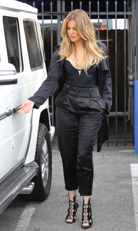 kxokardash: March 16th, 2015 - Khloe at a studio in Los Angeles