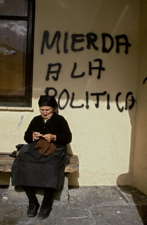 Mierda a la Política, 1995 Spain Gloria Rodriguez