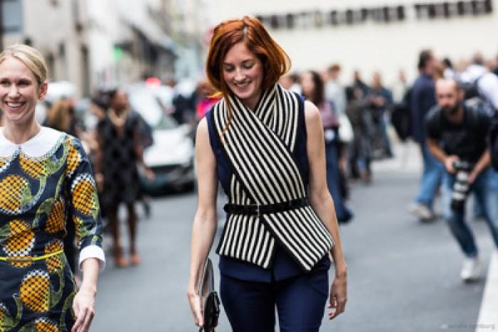 paris2london:</p><br /> <p>(via Spotted: Belted Scarves)<br /><br />