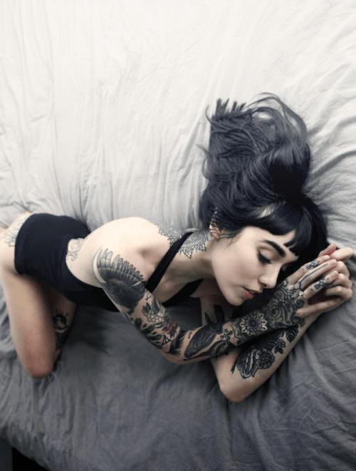 Hannah Pixie Snowdon - Tattoo Artist