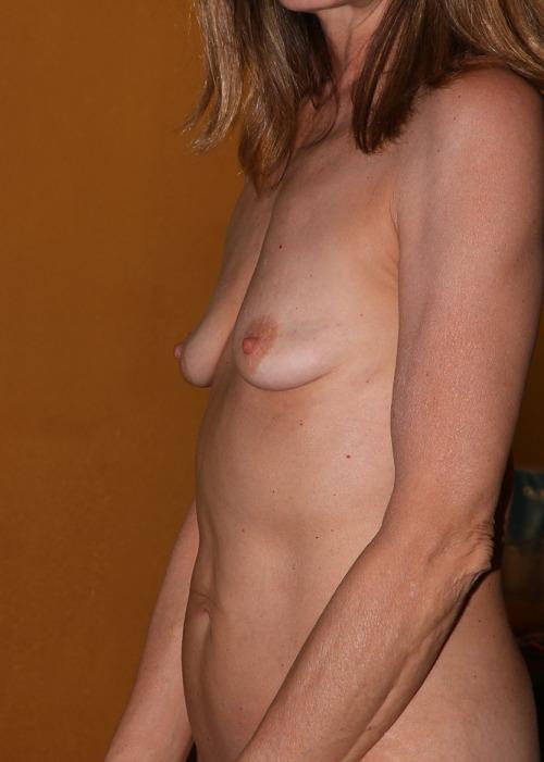 Flat empty tits