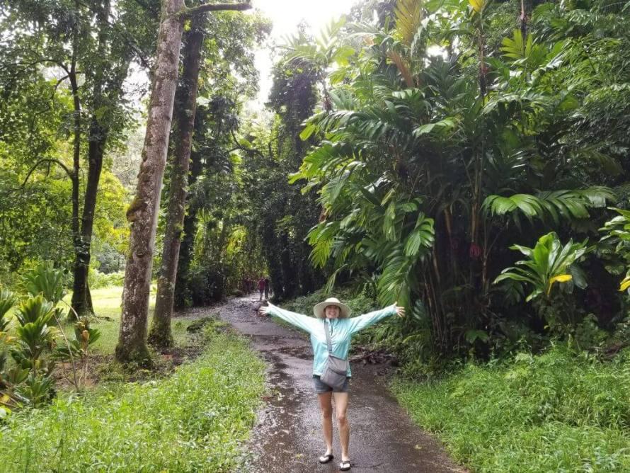 Hiking in Maui Kim Julen