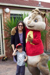 Alvin meets a Mum and her son