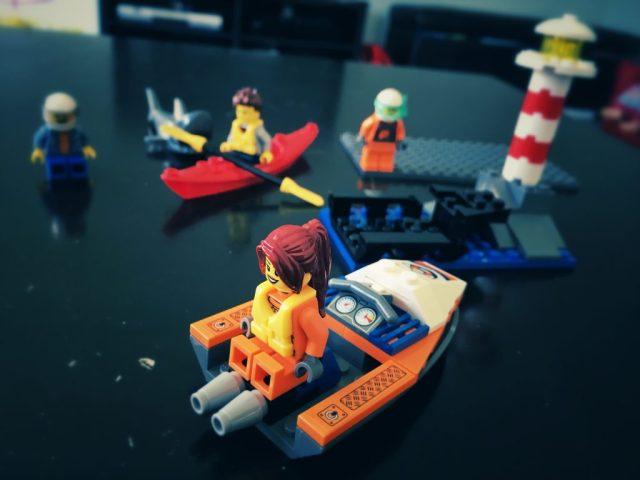 LEGO City kayak jet boat lighthouse build