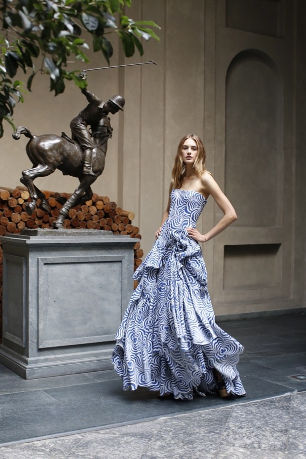 Taking a twirl: ready for this evening's Spring '16 press presentation and debut of the #PalazzoRalphLauren private luxury members club in Milan #MFW