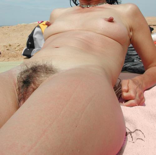 thaelya:  Hard Nipples Goddess