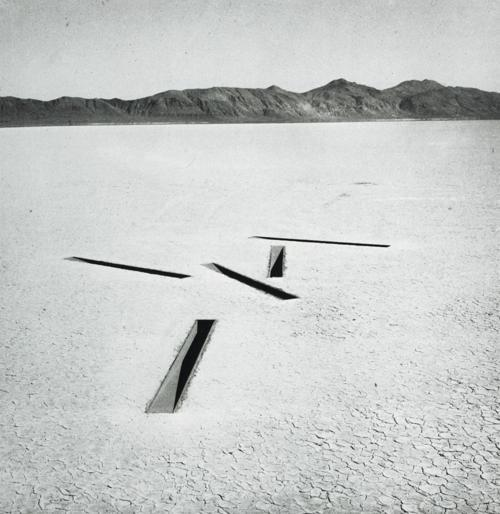 Michael Heizer arkin michael heizer dissipate 8 of nine nevada