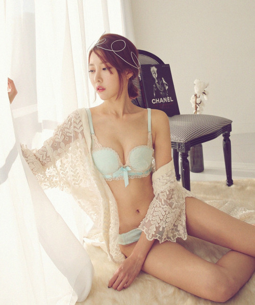 girl and fashion,Korean Girls,Korean,Model,Dream Girls,Korean Model,Korean Girl,korea, beautiful,Pop idol,Ji Na