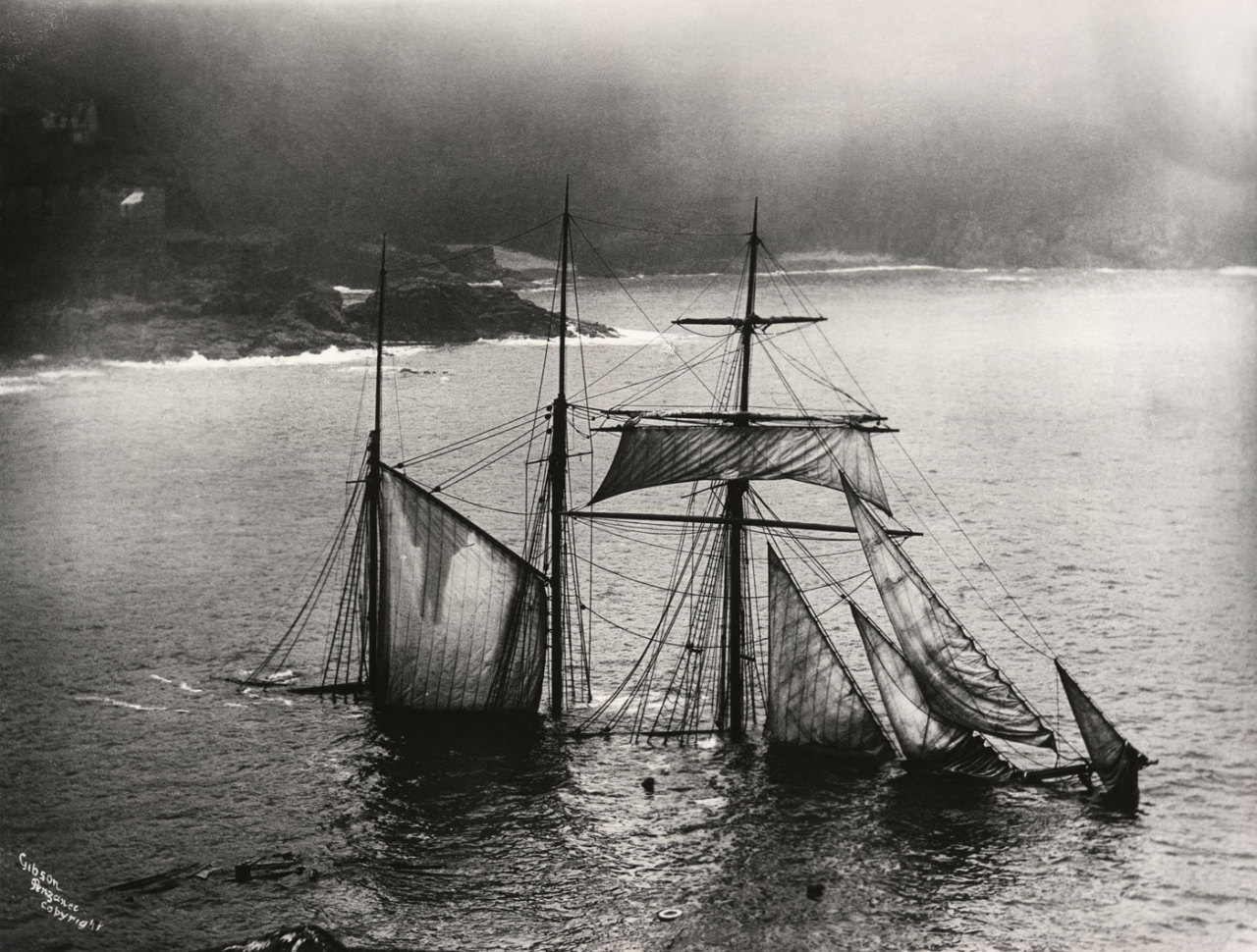 Black And White Vintage History Ship S Shipwreck S