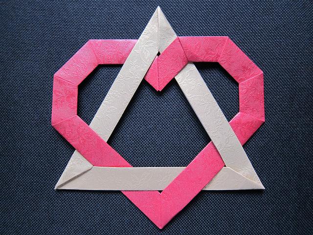 Table Talk 411: Love triangles, ugh!