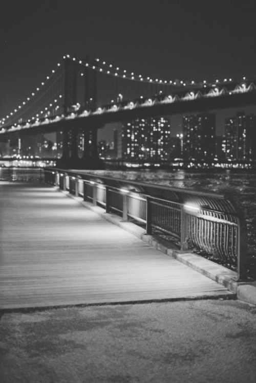 night pier park bridge