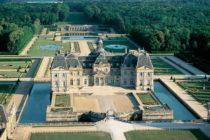 Vers le site du château de Vaux-le-Vicomte