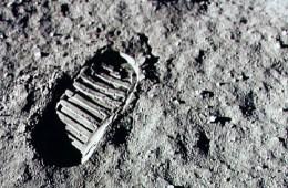 Voetsporen van Neil Armstrong