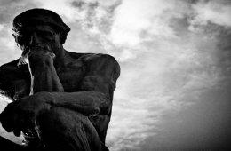 beeld van de Denker van Rodin