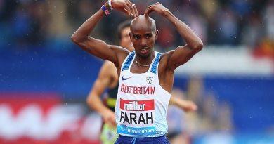 Mo Farah ganó la media maratón con tiempo de 59 minutos y 26 segundos/ARCHIVO