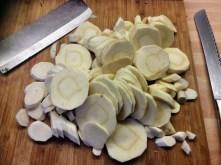Wurzelgemüse,Bratkartoffeln,Petersiliensoße,,Forelle - 12.10.15 (3)