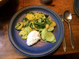 20.3.16 - Kartoffelsalat,pchiertes Ei,Quitten Dessert,vegetarisch (12)