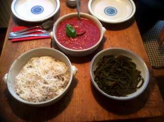 2.4.16 - Meeresspaghetti,Reisnudeln,Tomatensauce.Salat (11)