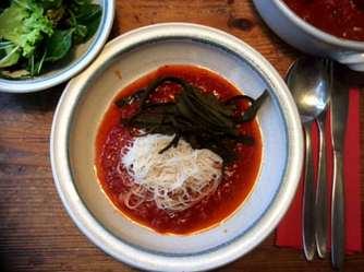 2.4.16 - Meeresspaghetti,Reisnudeln,Tomatensauce.Salat (14)