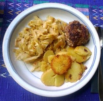 22.6.16 - Spitzkohl,Frikadellen,Bratkartoffeln (12)