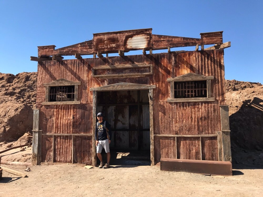 Rusted building in Humberstone