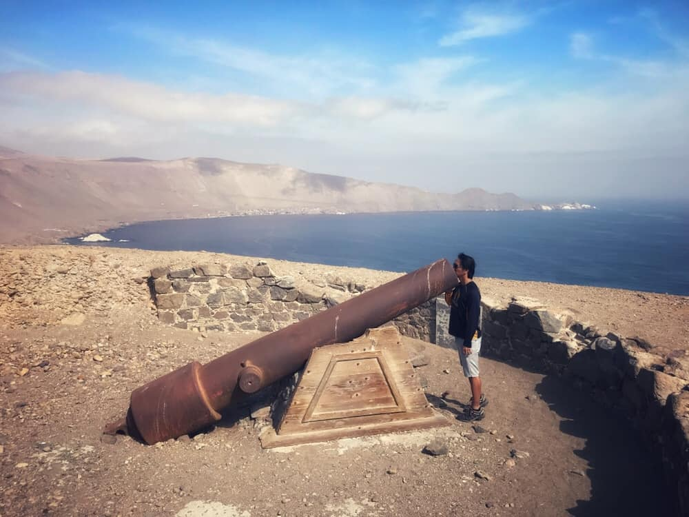 Cannon above Pisagua, remnant of the war, Northern Chile
