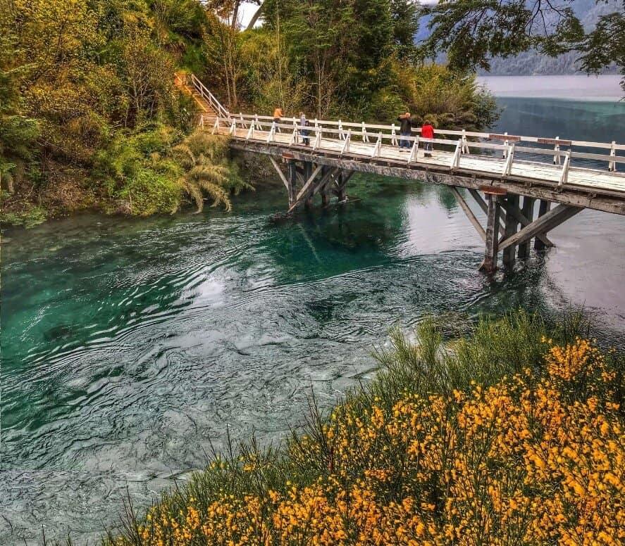 Shortest river near Bariloche Argentina