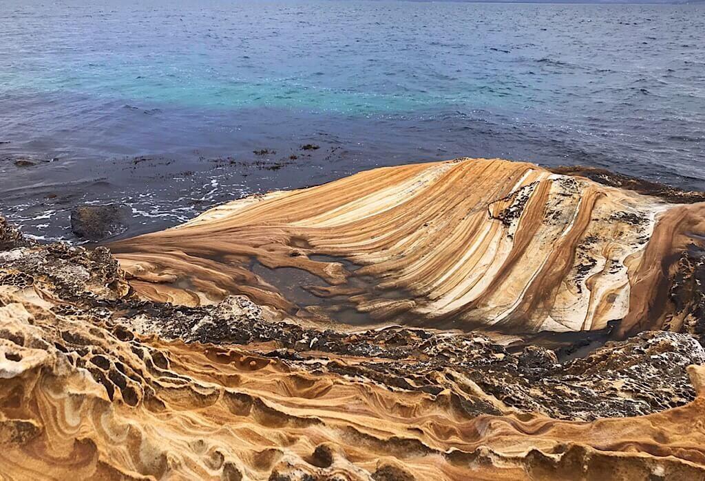 Painted Rocks on Maria Island near Grass Point
