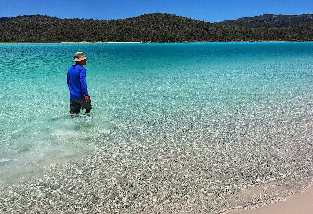 Clear blue water of the HIll Inlet on Whitsunday Island