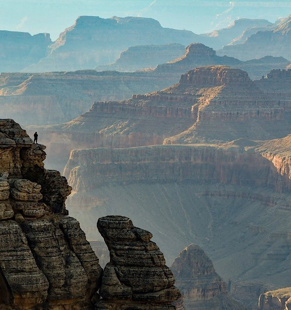 Hiker on the ridge of the Grand Canyon
