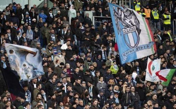 Repudio en Italia: hinchas de la Lazio cantaron contra africanos y judíos