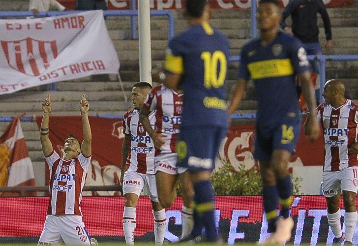 Un debut para el olvido  Boca recibió su primer cachetazo del año