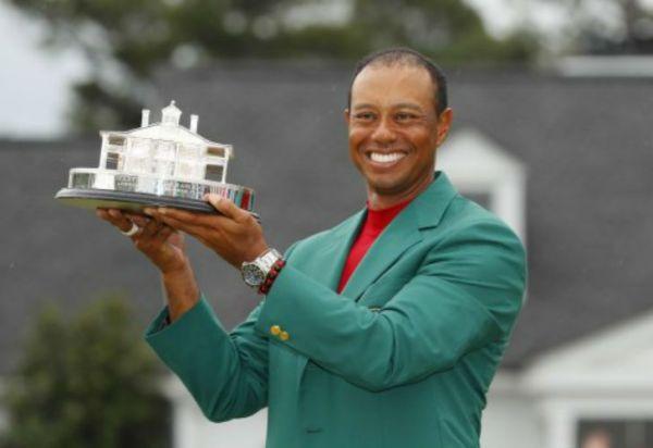 Tiger Woods volvió a la cima del golf en el Masters de Augusta