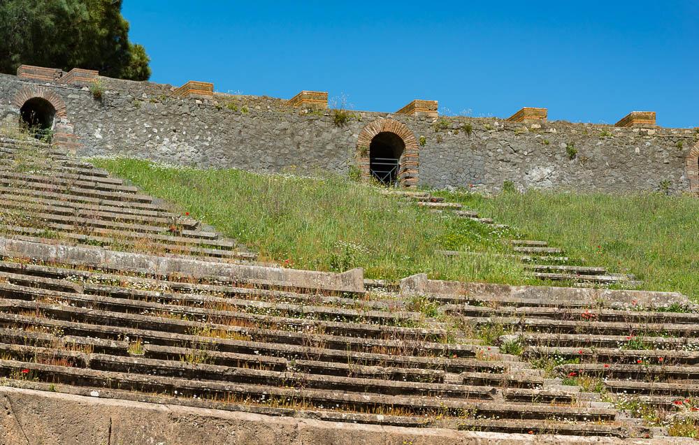 Following the sky Italy Pompeii travel-9