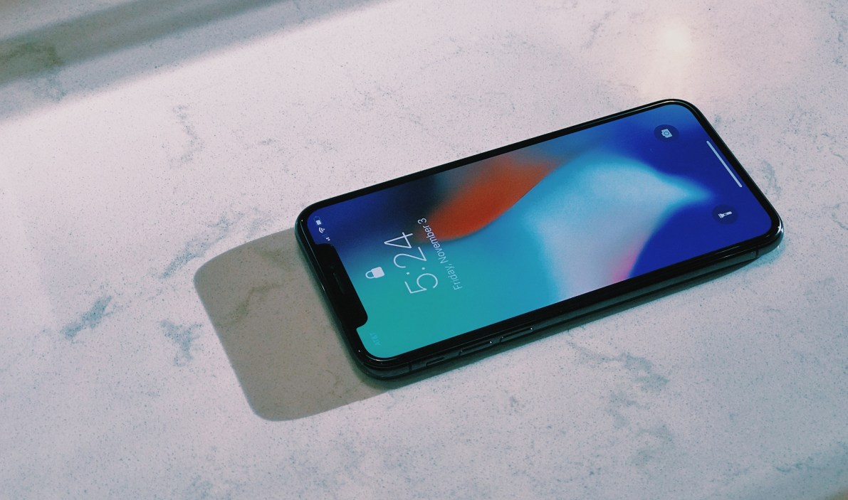 iPhone X - Part 1: The Display
