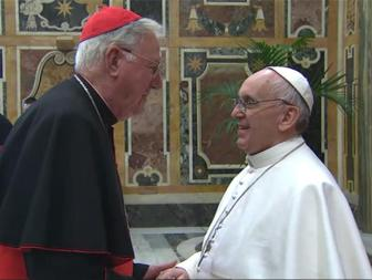 Cardinal-Cormac-Murphy-O-Connor-meets-Pope-Francis-with-the-College-of-Cardinals-in-the-Clementine-Hall_large