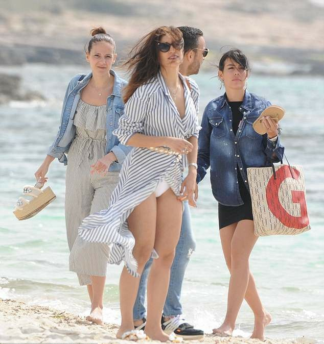 IMG_20180514_143334_405 Entertainment Gists Foreign General News Lifestyle & Fashion News Photos Relationships