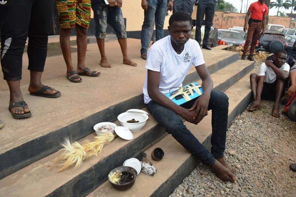 Photos: EFCC arrests 24 OOU students for Cyber crime in Ogun, exotic cars recovered