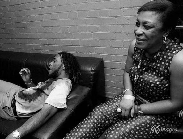 #MamaBurna – Burna Boy's Mum Stole The Show At The Soundcity Awards