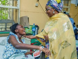 Photos: Aisha Buhari visits survivors of the Lagos building collapse
