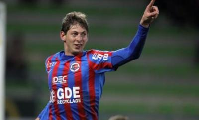 Emiliano Sala celebrates one of his goals