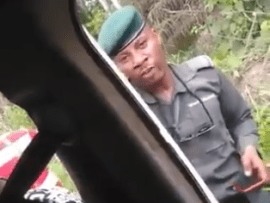 Video: Police Officer destroys phone of Delta state University student because it was expensive