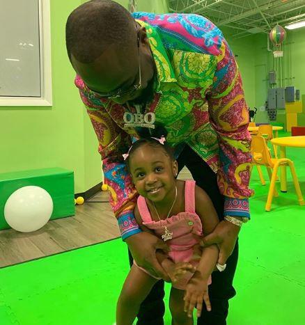 Photos:?Davido celebrates his?daughter