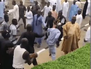 Video: Zamfara APC and PDP youths exchange blows inside the Supreme court premises