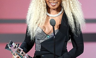 Mary J. Blige is honored with the BET Lifetime Achievement Award (Photos)