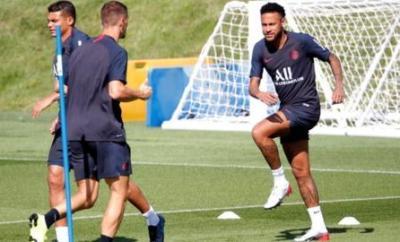 Neymar in training with Paris St-Germain