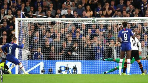 Ross Barkley misses a penalty against Valencia
