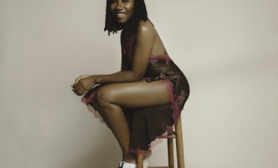 Singer Asa stuns in sexy new photo